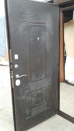 дверь с внутренней панелью