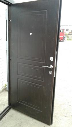 Двери на Софийской 74