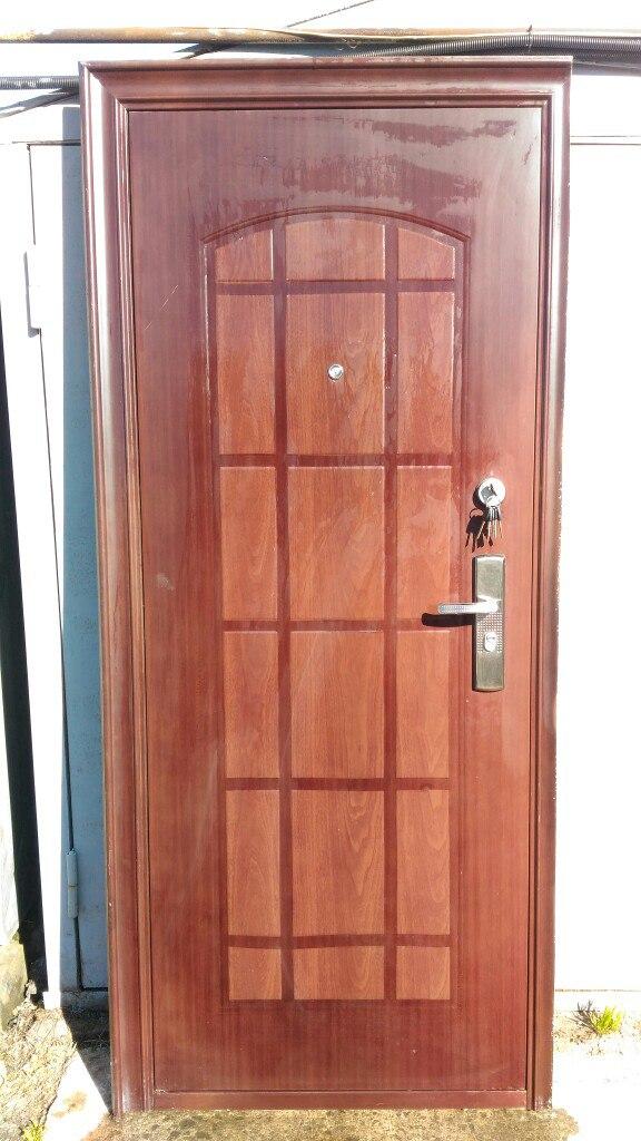 Дверь усиленная теплая