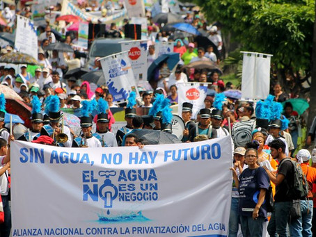 Climate Strike à la Salvadoreñ@: Sin Agua no hay Futura