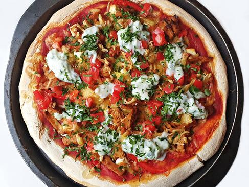 Pizza Gyros z sosem Tzatziki - prosta i pyszna kuchnia fusion