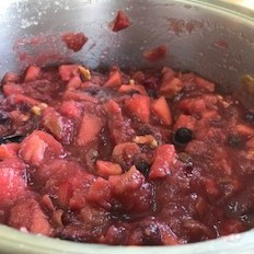 Chunky Apple-Berry Sauce