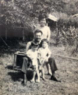 00_父と母.jpg