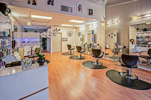 black-salon-chairs-853427.jpg