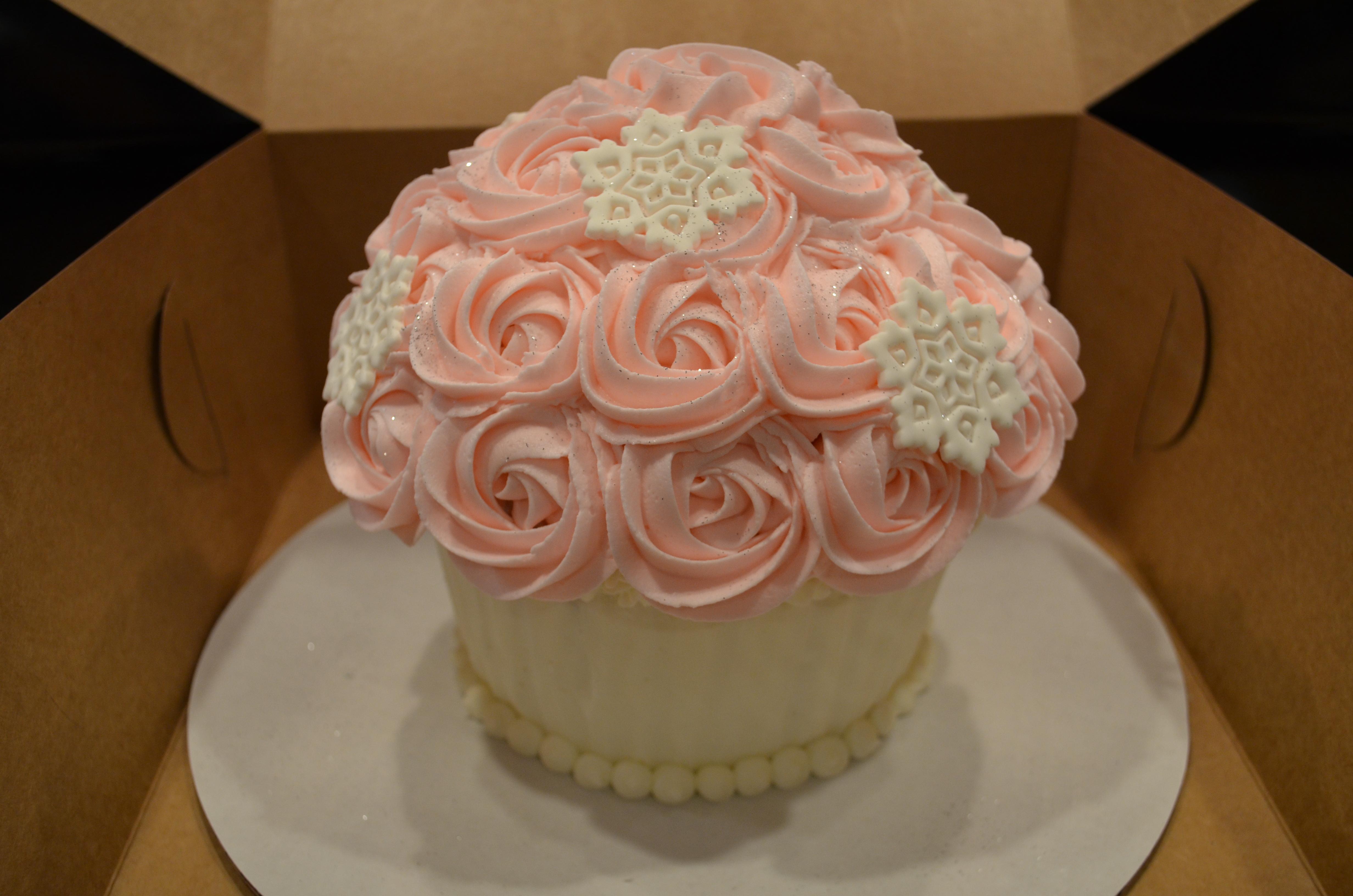 Pink Snowflake Cupcake Mold Cake