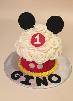 Mickey cupcake_edited