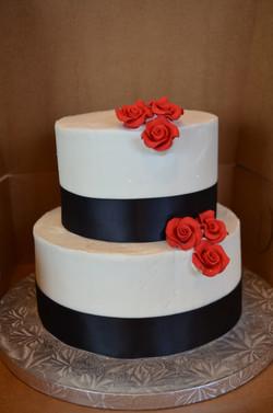 2 teir roses cake 2