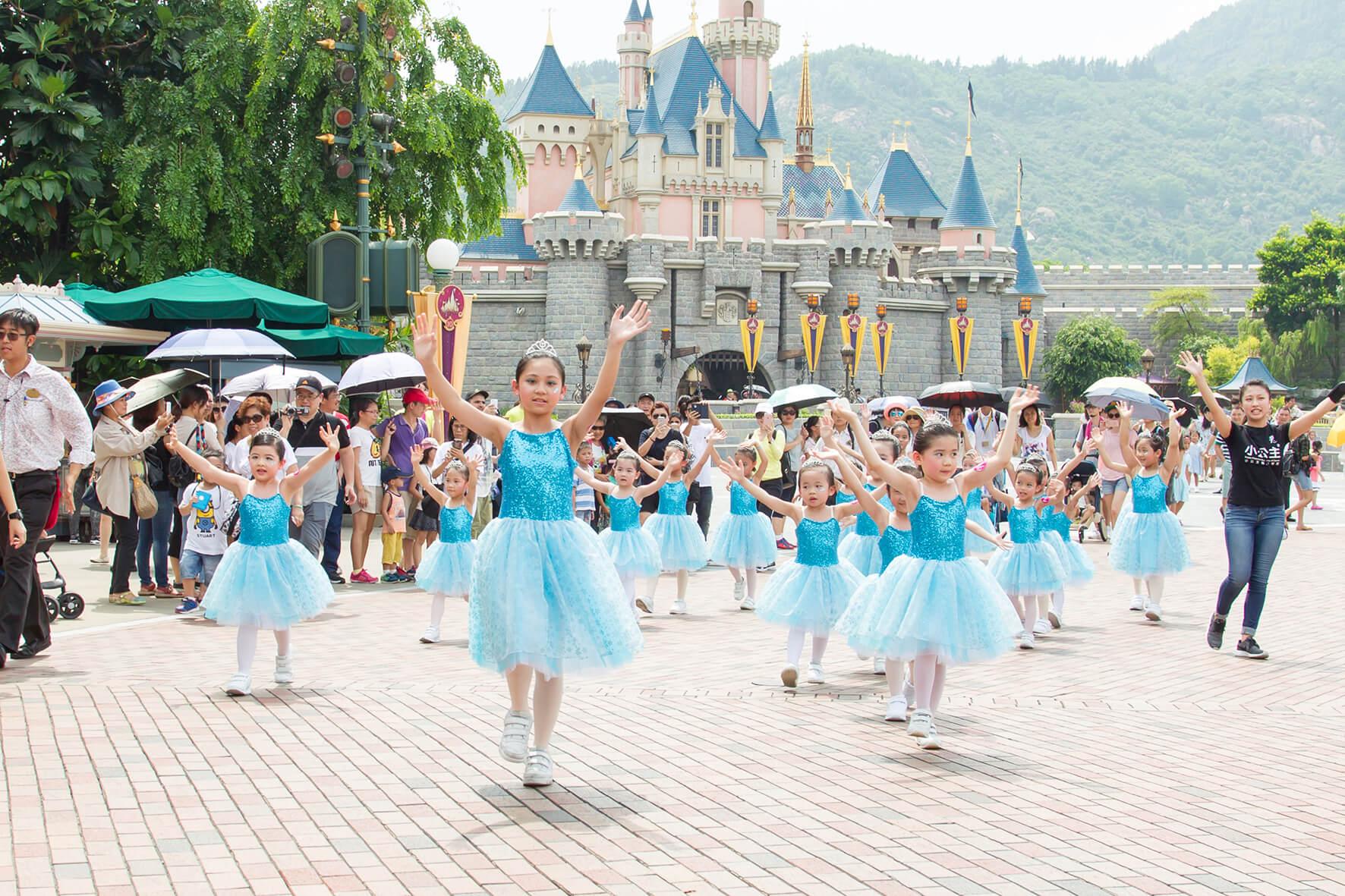 迪士尼巡遊