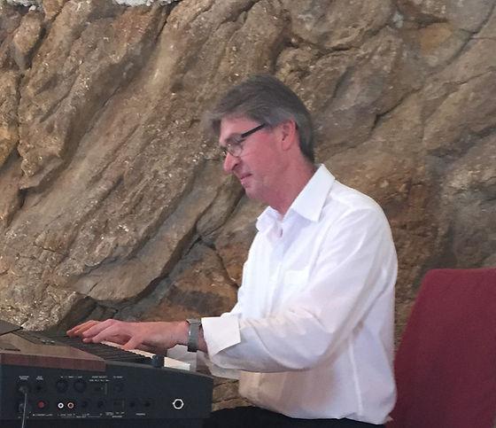 Hans Breinbauer | Tastenklaenge | Klavierunterricht | Pianounterhaltung |