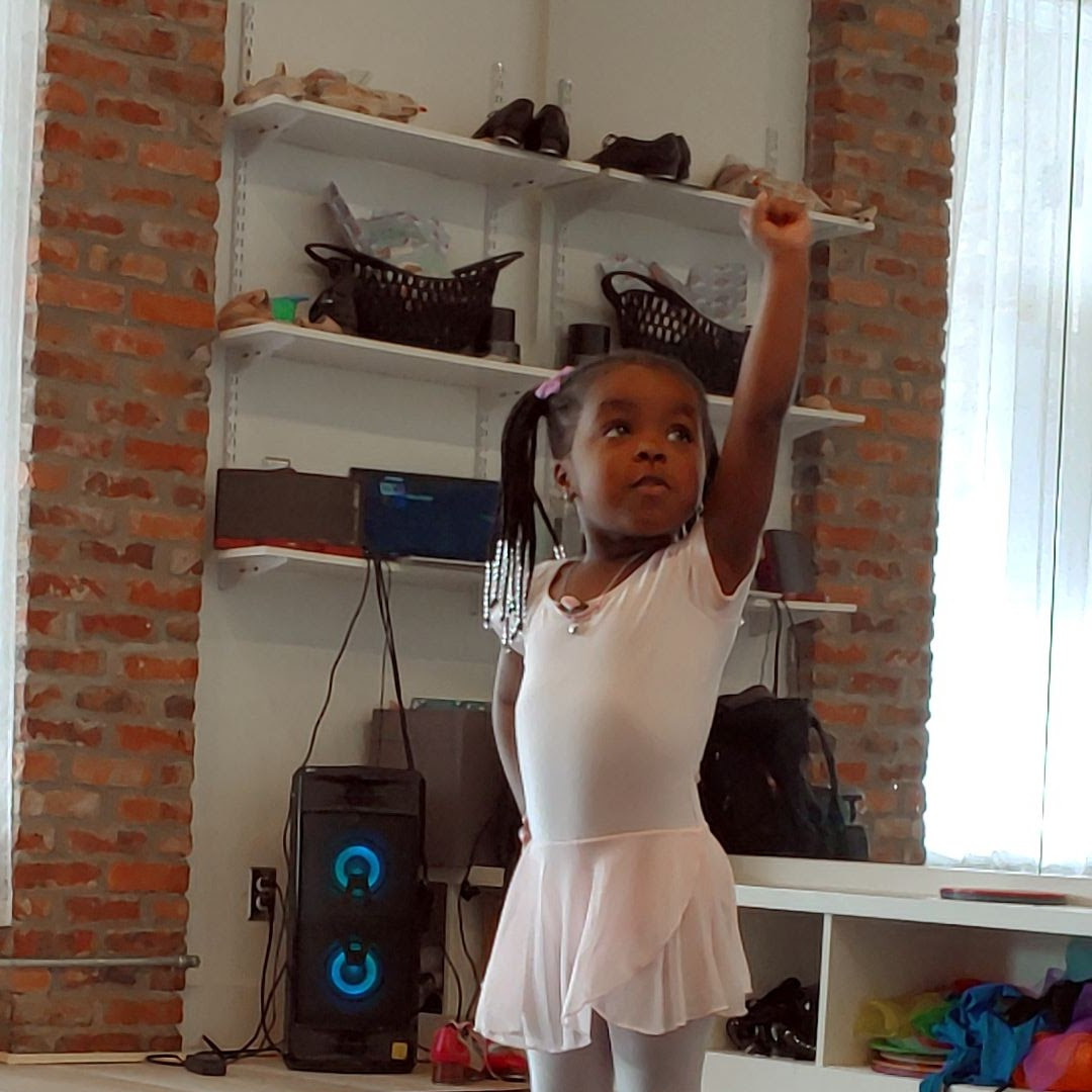 Physically distanced classes for our tiny tots & baby ballerinaa