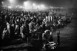 Indian-Hindu-devotees-during-a-holy-
