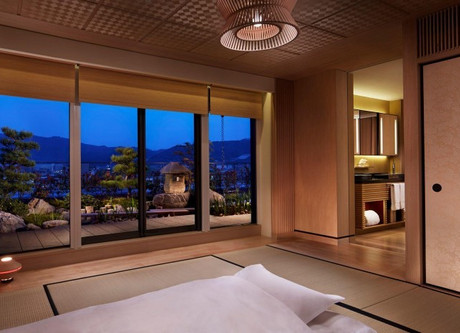 Ritz-Carlton-Tatami-Room-768x469.jpeg