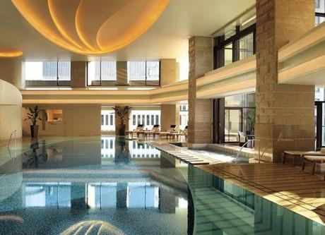 Peninsula-Tokyo-Pool-768x432.jpeg