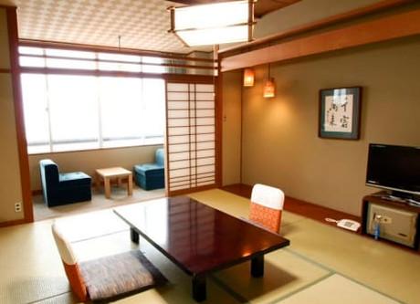HIGASHI YAMA 3.jpeg