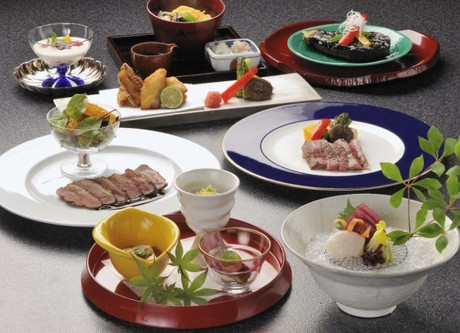 Prince-Hakone-Cuisine-Kaiseki-768x499.jpeg