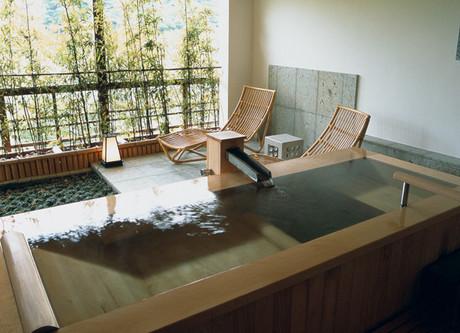 Gora-Kadan-Bath.jpeg