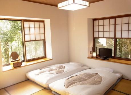 Fuji-Hakone-Guesthouse-JP-Room-768x576.jpeg