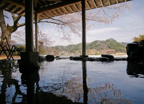 Hagi-Rotenburo-view-2-768x512.jpeg