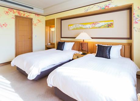 Nikko-Kanazawa-Suite-Beds.png