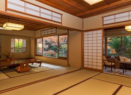 Iwaso-Kimpu-Tei-768x512.jpeg