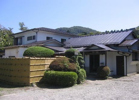 Fuji-Hakone-Guesthouse-Exterior-768x576.jpeg