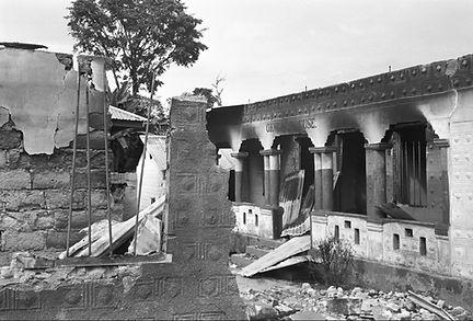 ruined house2.jpg