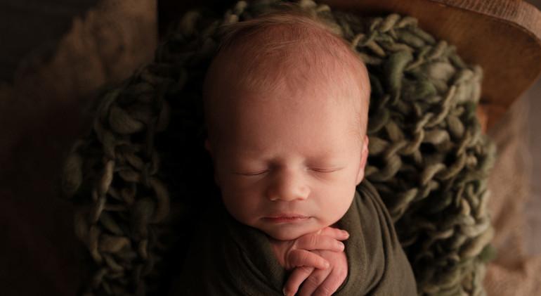 Gloversville Newborn photographer.jpg