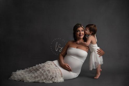 Fort Plain Maternity photographer.jpg