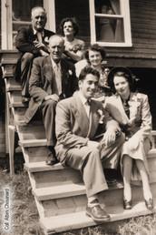 Mariage de Magella Simard avec Robert-Patrick Chouinard, 6 août 1949;  Omer Simard et Honora Laforest; Albini Chouinard et Rose-Délima Longtin.