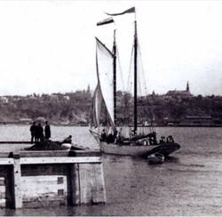 La Vigie No 2, goélette-pilote au quai, à Québec en 1901.ébec a franck