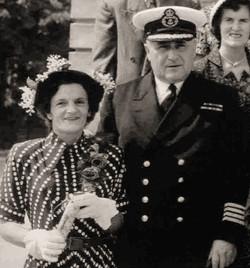 Le capitaine Albini Chouinard et sa 2e épouse Rose-Délima Longtin en 1949.