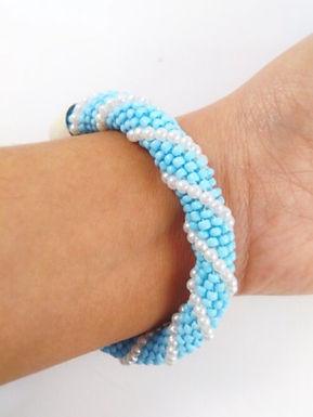 Bracelet bleu ciel crochet
