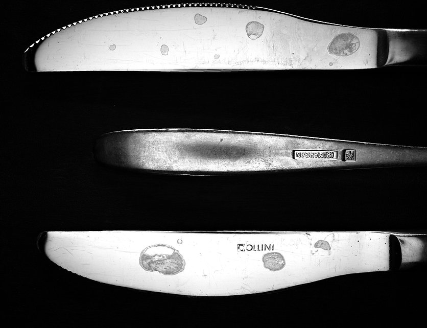 Raw image of lime stains left behind when cleaning cutlery, e.g. knives and forks. Application of Roboscope made by Robomat