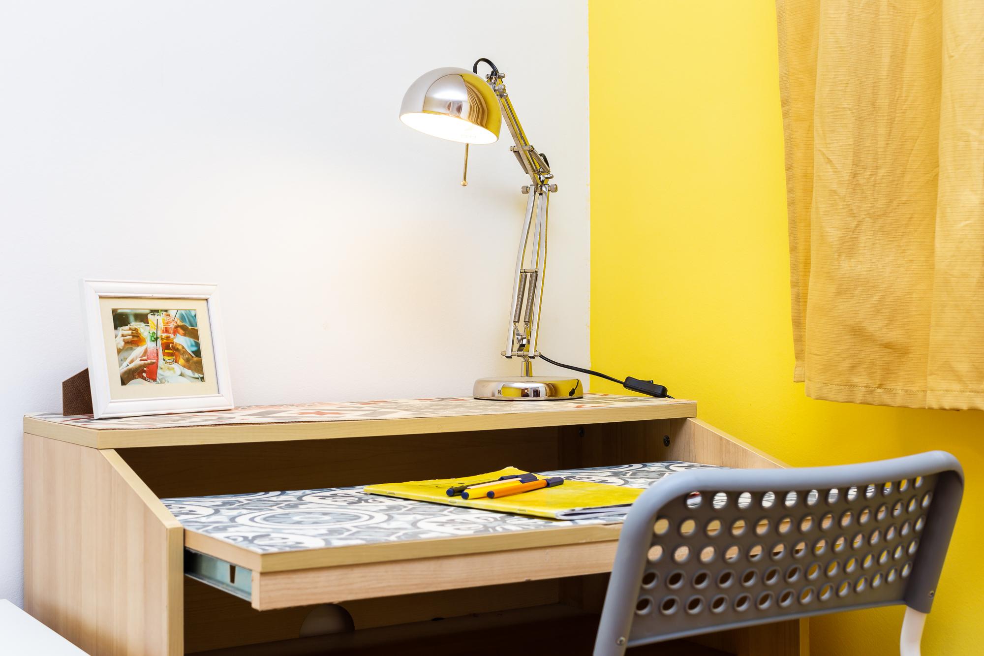 Desk - Light - Chair