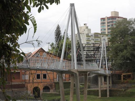 Ponte do Complexo Turístico Jardim do Imigrante será reaberta em Timbó