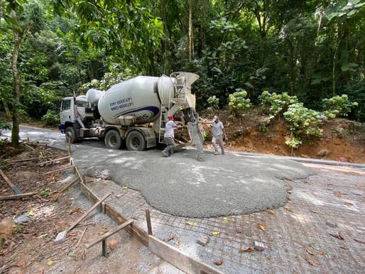 Finalizada obra de concretagem do acesso ao Morro Azul