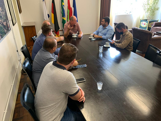 Prefeito e vice-prefeito recebem Emenda Parlamentar para Pomerode