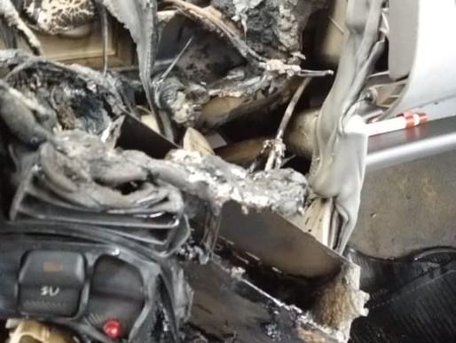 Principio de incêndio em veículo é registrado em pátio de supermercado