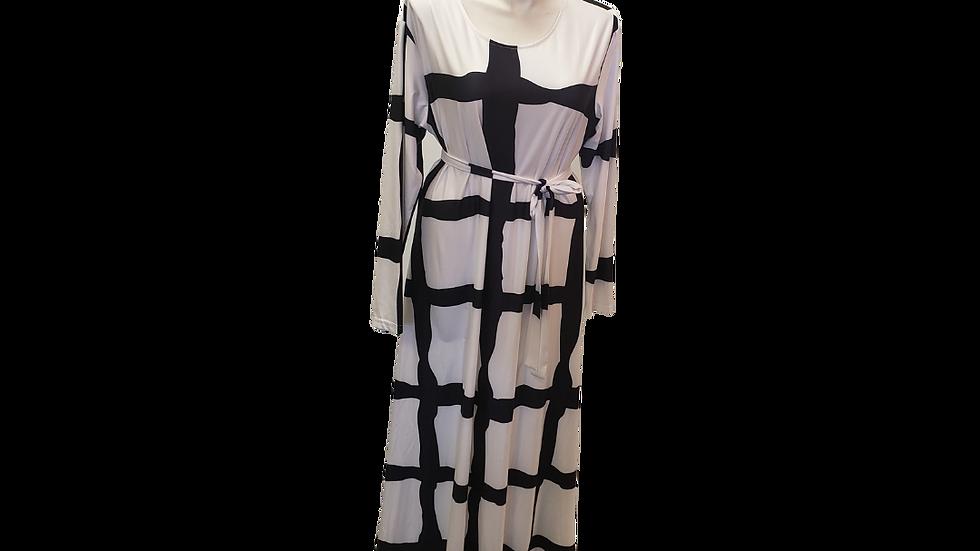 3X White & Black Checkered Maxi Dress