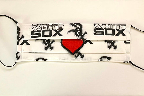 WHITE SOX COCKTAIL Mask with RED HEART