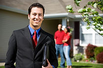 real-estate-agent-2-800x533.jpg
