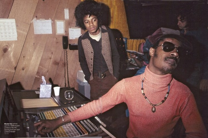 Source: https://www.thelooploft.com/blogs/ryans-corner/44919361-want-to-hear-stevie-wonder-s-live-demo-of-the-song-he-wrote-for-mj-i-can-t-help-it