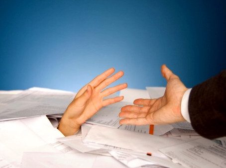 SHOULD HR DIRECTORS BE A CEO'S RIGHT HAND (WO)MAN?