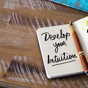 Wie kann ich mehr auf meine Intuition hören?