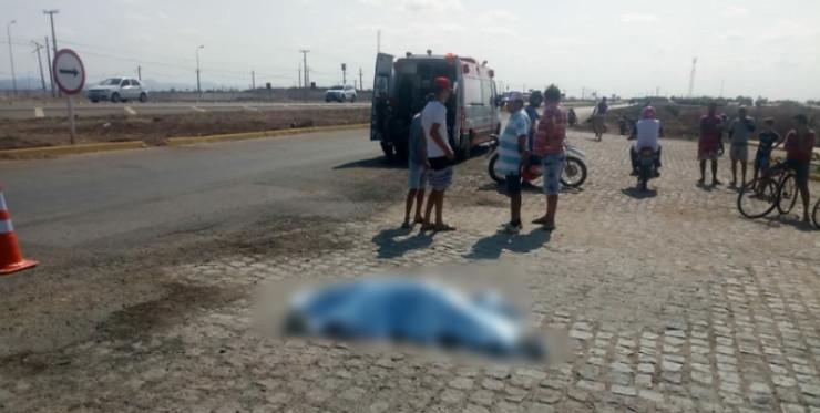 Vítima de 48 anos morreu ainda no local do acidente, em Sousa. Foto: Sertão Informado/ Reprodução