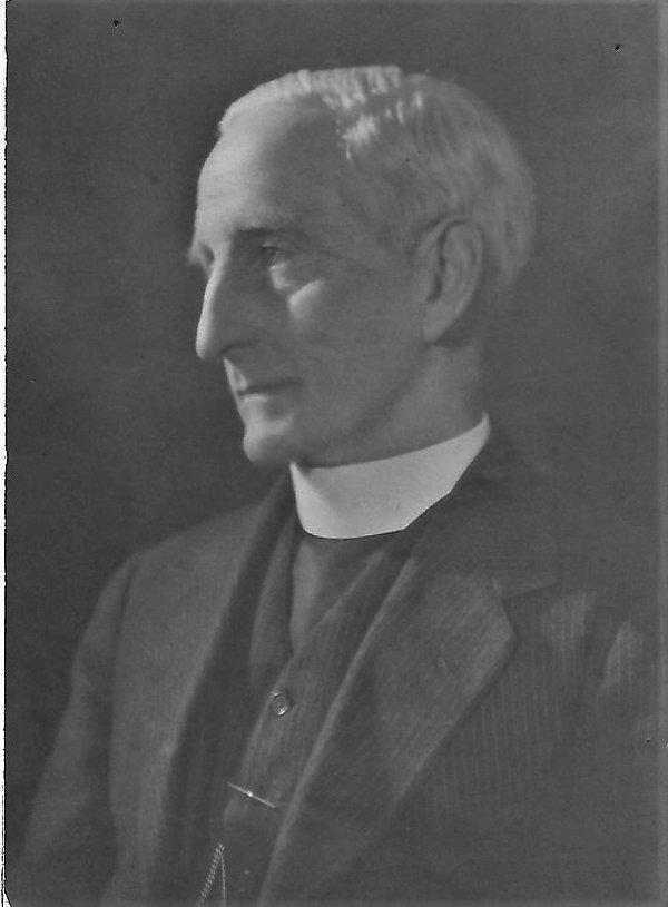 Rev Wynne.jpg