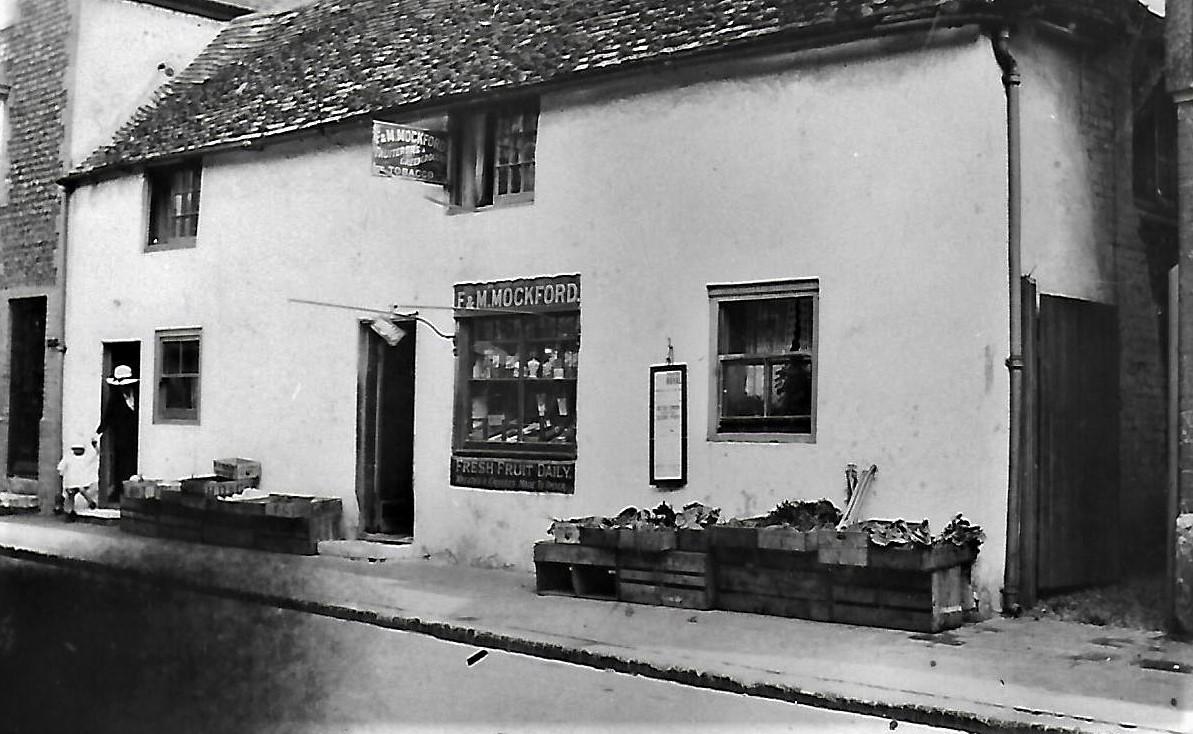 Mockfords  greengrocers became Old Cottage