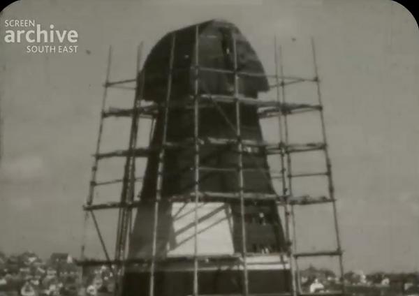 1935 Windmill Repair Film Screenshot.png