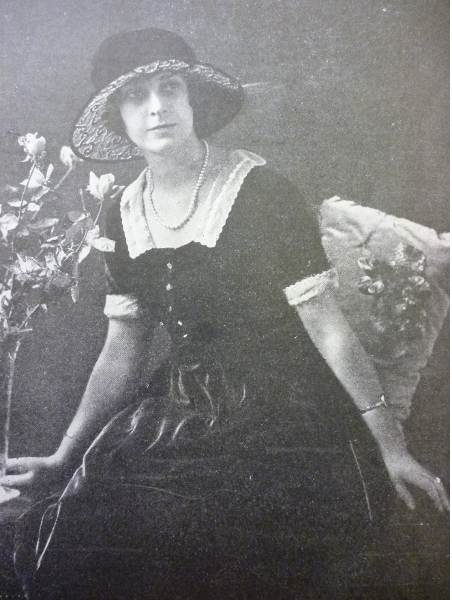 Dorothy Neville 1.png