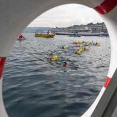 Рождественский заплыв в Женевском озере